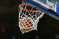 113 Basketball Total League der Maenner Spielzeit 2017-18 Halbfinale Coupe de Luxembourg  zwischen Amicale Steinsel und Musel Pikes in der Coque am 27.01.2018 Schmuckbild