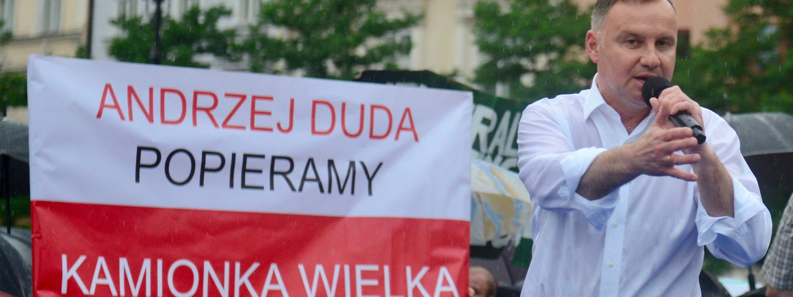 Amtsinhaber Andrzej Duda gilt als Favorit - er machte mit homophoben Aussagen negative Schlagzeilen.