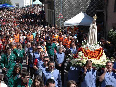 Abertausende Pilger nahmen an der Fatima-Wallfahrt teil