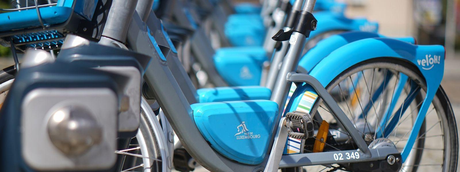 Die Elektrofahrräder verfügen über eine Dreigangschaltung und am Lenker einen Korb. Für die Abonnenten sind allerdings die Akkus die größte Schwachstelle.
