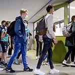 Infeções nas escolas baixam para quase metade numa semana