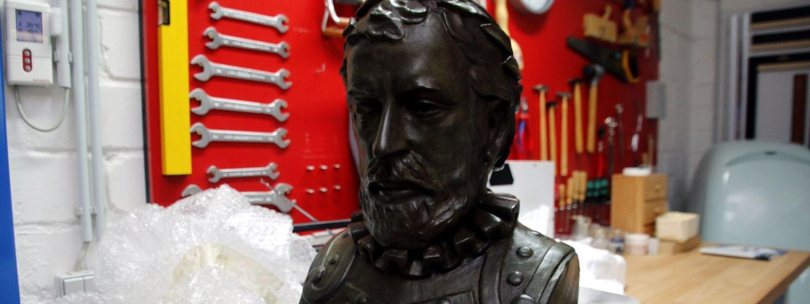 O busto de Camões, limpo e restaurado, vai estar presente nas comemorações do 10 de Junho, esta sexta-feira, às 10h, em Merl