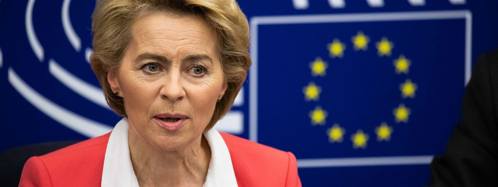Ursula von der Leyen will der Wirtschaft mit weiteren Hilfen unter die Arme greifen.