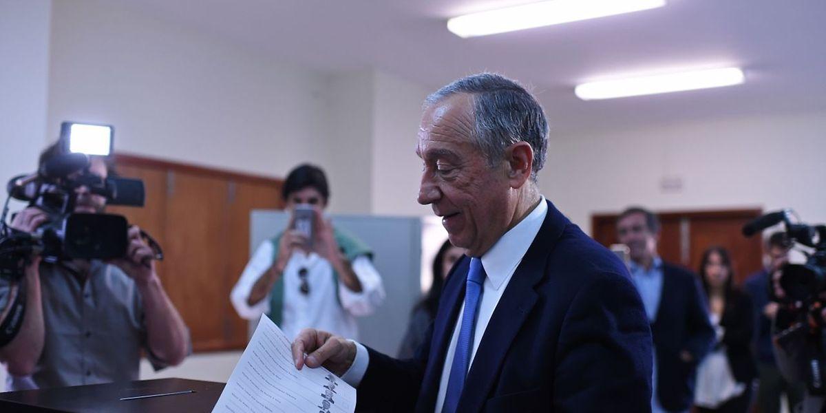 Marcelo Rebelo de Sousa bei seiner Stimmabgabe am Sonntag.