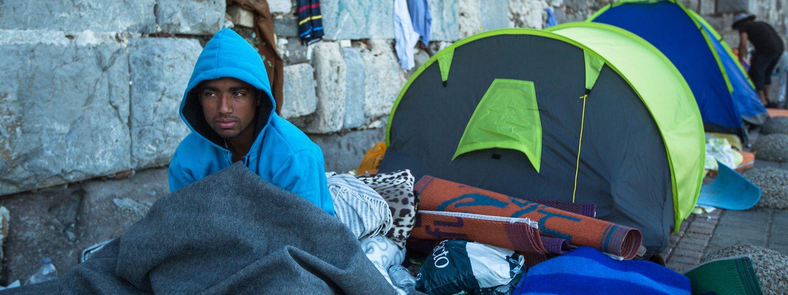 Flüchtlinge haben meistens eine Odyssee und Aufenthalte in Lagern - wie hier in Kos - hinter sich.