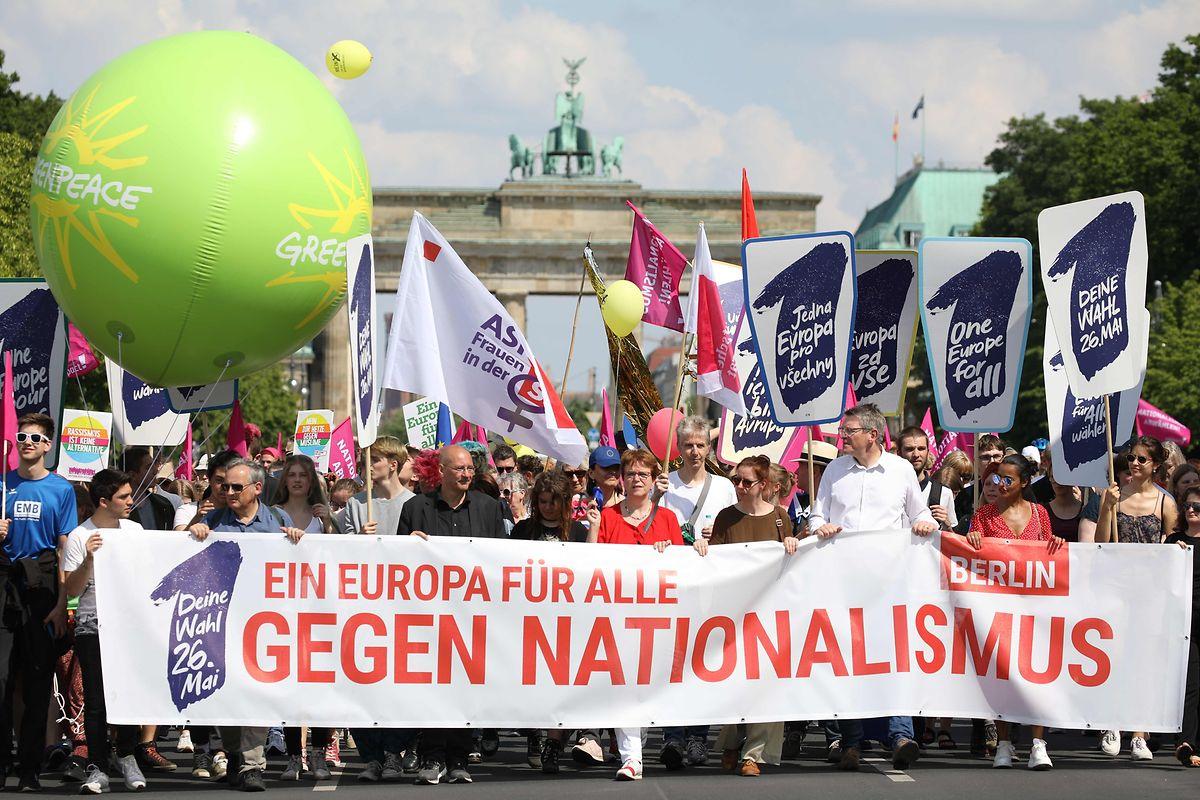 Manifestação contra o nacionalismo em Berlim