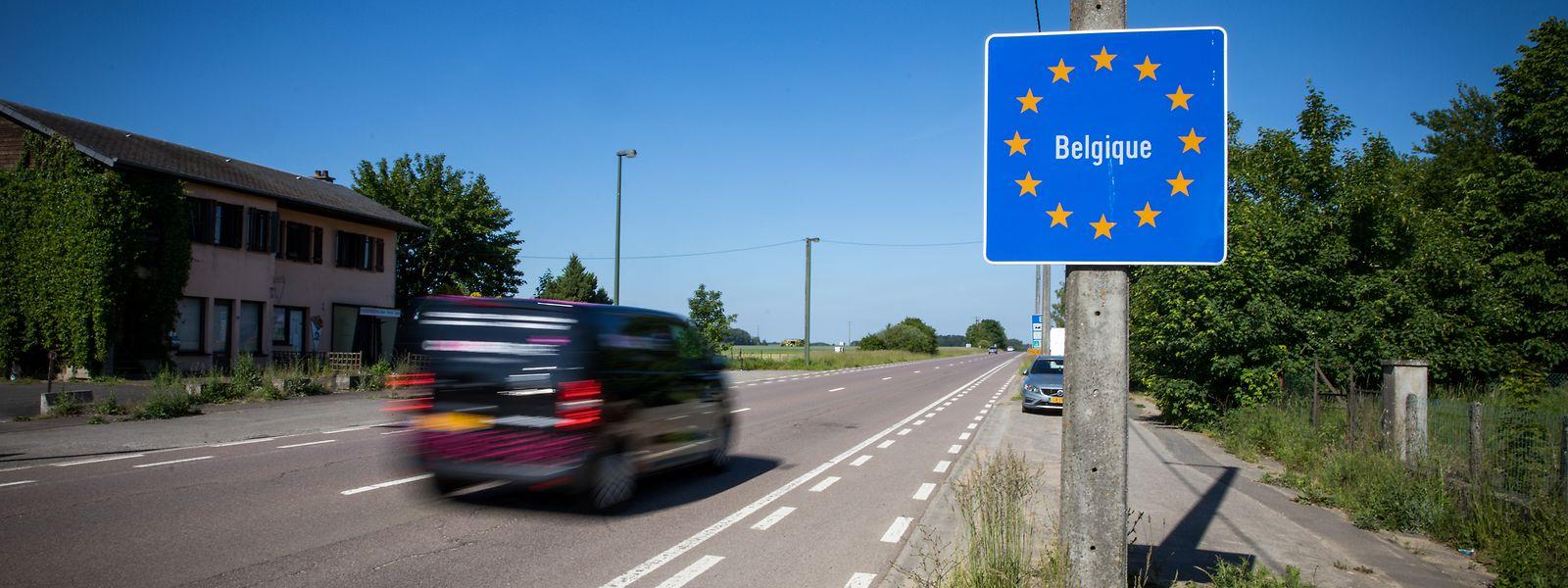 Puisque priés de ne plus franchir la frontière avec le Luxembourg pour raison sanitaire, les frontaliers belges peuvent désormais rester en télétravail jusqu'au 31 mars 2021.