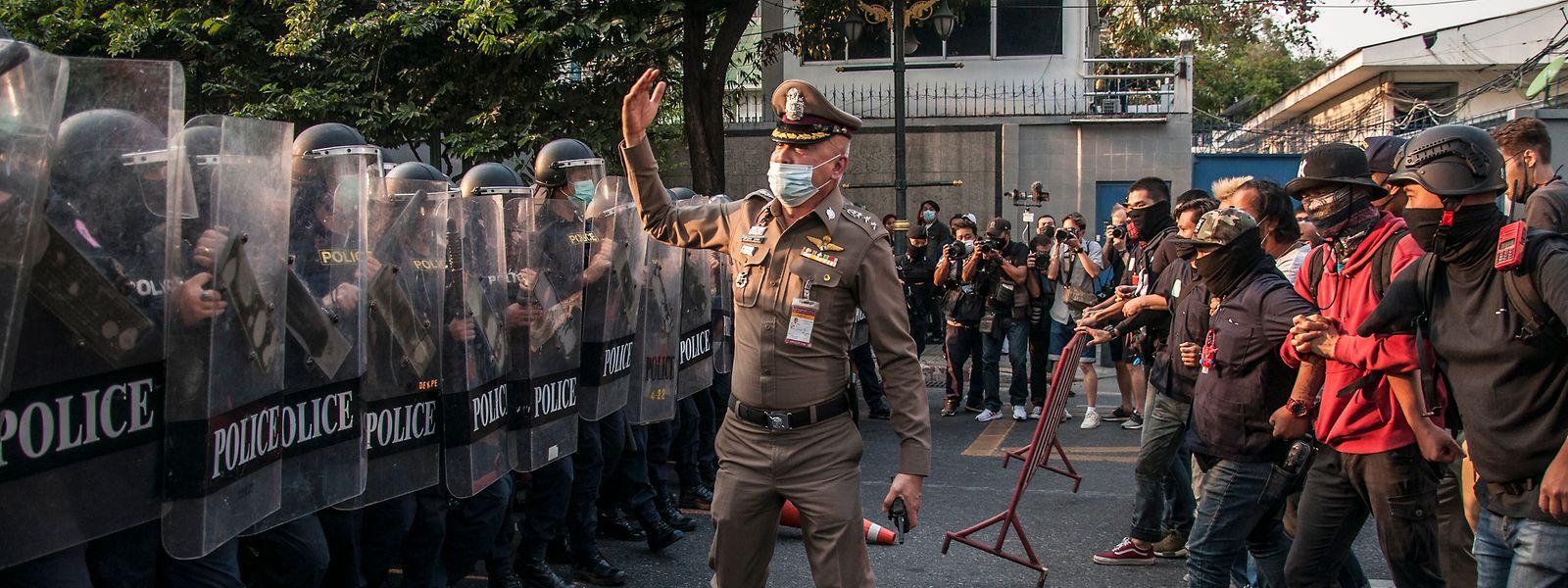 Polizeigewalt gegen Protestbewegung: seit Anfang Februar und dem Militärputsch ein alltägliches Bild in Myanmar.