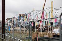 Esch,  Lentille Terre Rouge , Beginn Abrissarbeiten , Stacheldraht , Foto:Guy Jallay/Luxemburger Wort