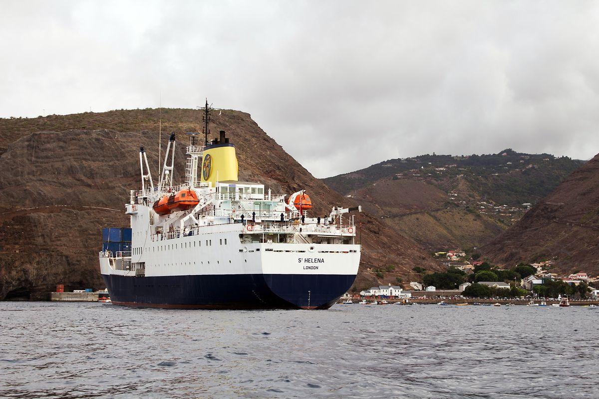 """Das britische Postschiff """"RMS St Helena"""" hat die Insel seit 1990 versorgt - im Februar hat das Schiff seinen Dienst aufgegeben."""