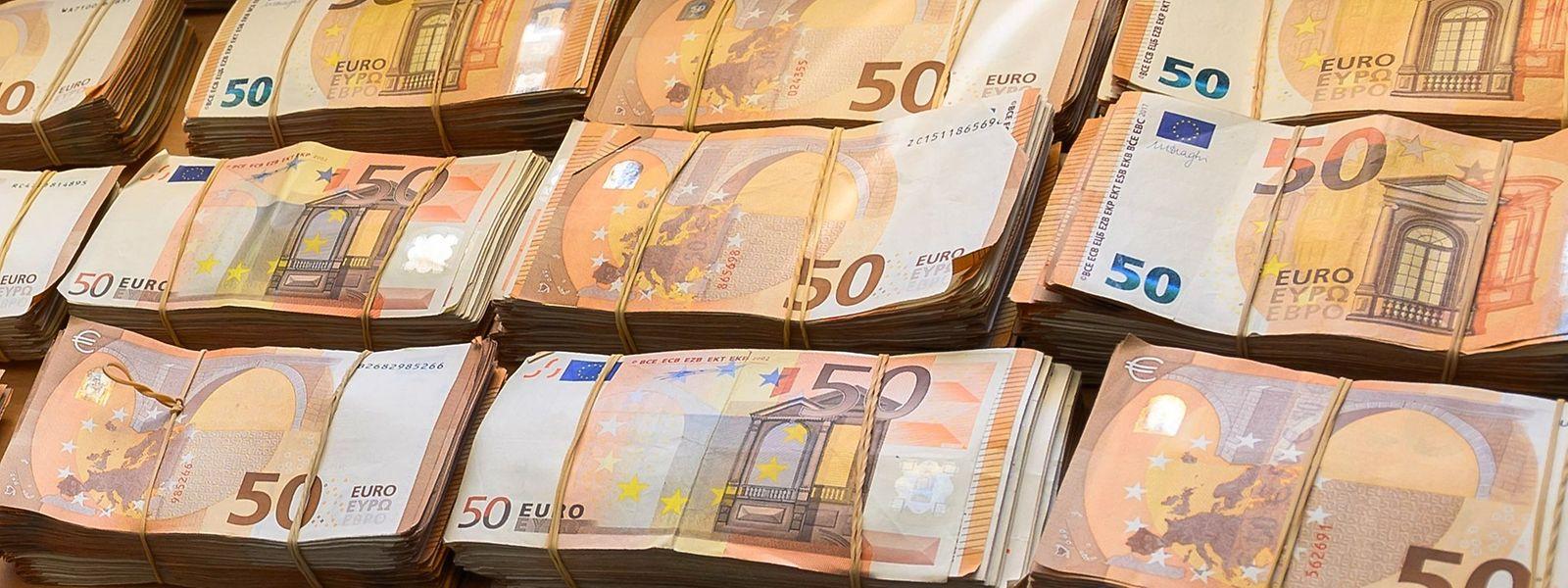 Mittlerweile belastet die EZB die Eurobanken im Jahr mit 17 Milliarden Euro an Strafzinsen.