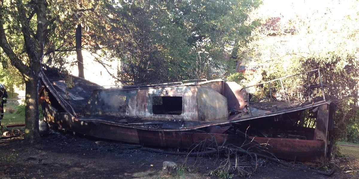 Das Boot wurde durch das Feuer komplett zerstört.
