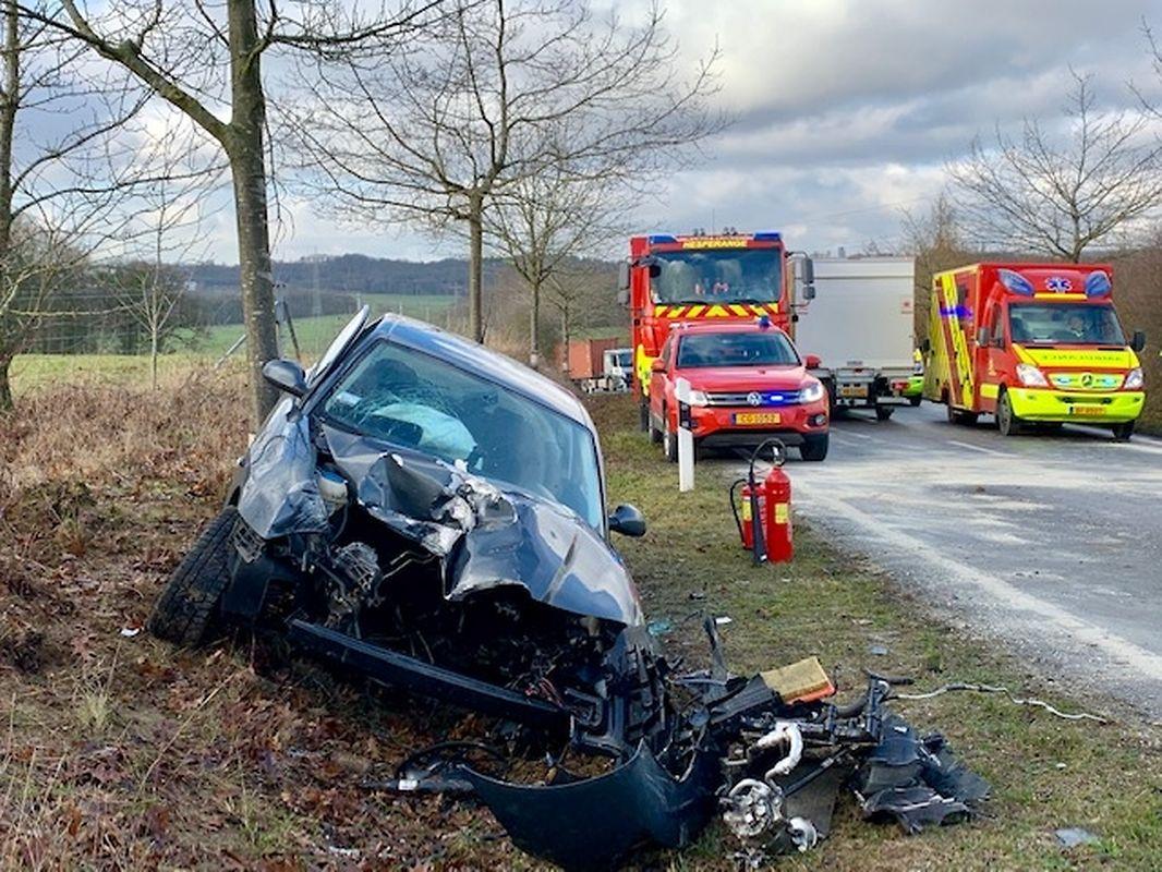 Der Fahrer hatte aus bislang ungeklärter Ursache die Kontrolle über sein Fahrzeug verloren.