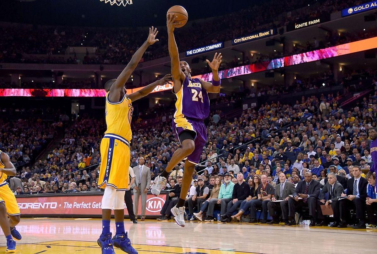 Kobe Bryant entretenait depuis plusieurs mois le mystère sur ses intentions à l'expiration de son contrat avec les Lakers en juin 2016.