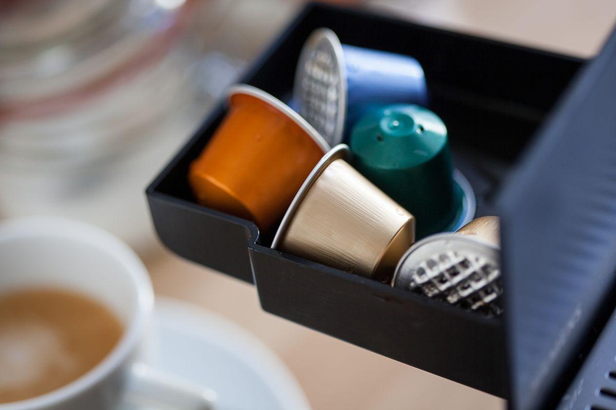 Ein Nachteil bei Kapselmaschinen:Der Abfall. Sie bestehen aus Kunststoff oder Aluminium - das ist nur schwer abzubauen in der Umwelt.