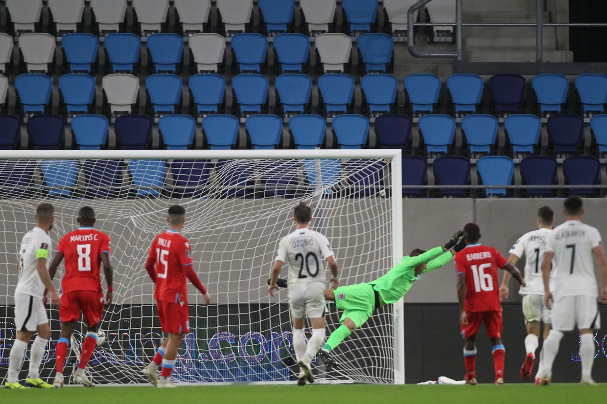 the keeper of Luxembourg Anthony MORRIS in action, goal for Azerbaijan,  Luxembourg, Luxembourg City, 01 SEPTEMBER 2021; The Luxembourg National Football team played vs AZERBAIJAN 2:1 in the new Luxembourg football stadium. Qualifying round for the FIFA World Cup 2022  - (photo and copyright ATP Arthur THILL)