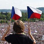 Manifestantes exigem em Praga a demissão do primeiro-ministro checo