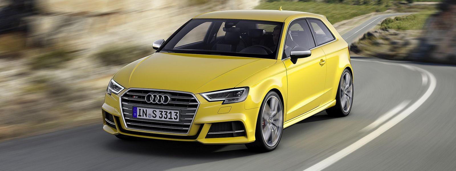 Der überarbeitete Audi A3 (im Bild ein S3) ist unter anderem an der neuen – aggressiver gezeichneten – Fahrzeugfront zu erkennen.