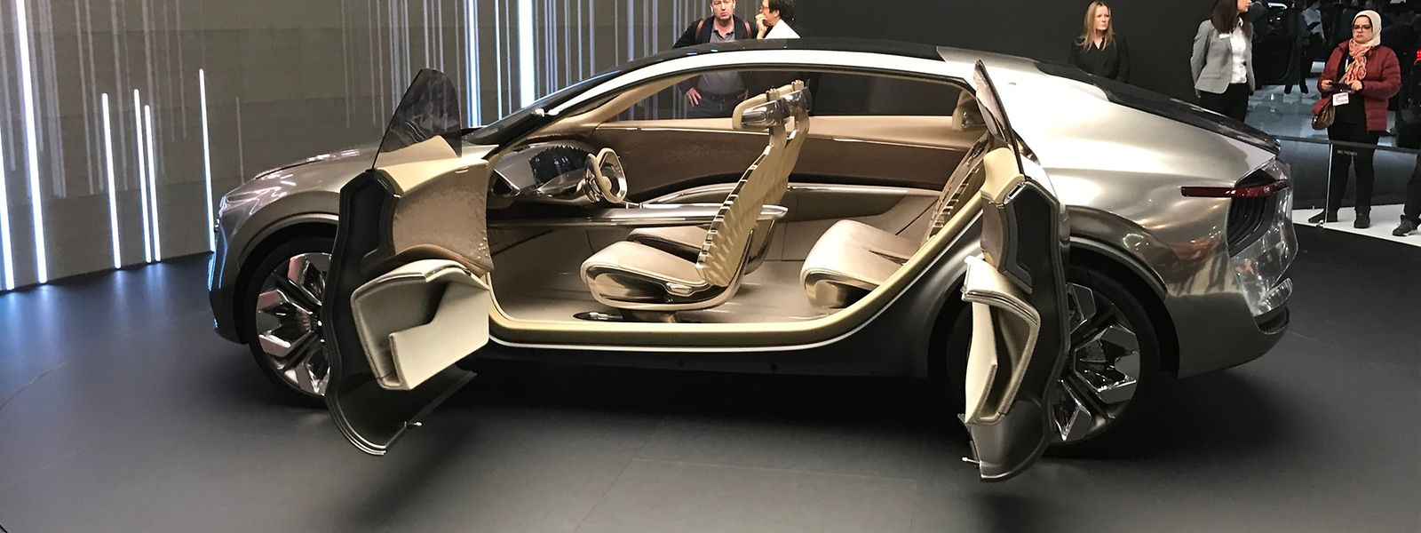 """Das elektrisch angetriebene Concept Car """"Imagine by Kia"""" ist eine Mischung aus SUV, Familienlimousine und Crossover."""