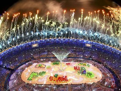 2016 Rio Olympics - Closing ceremony - Maracana - Rio de Janeiro, Brazil - 21/08/2016.  Fireworks explode during the closing ceremony.            REUTERS/Pawel Kopczynski  FOR EDITORIAL USE ONLY. NOT FOR SALE FOR MARKETING OR ADVERTISING CAMPAIGNS.