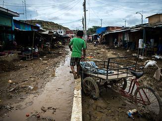 Geschätzt 670 000 Mernschen sind von den Auswirkungen der Flut betroffen.