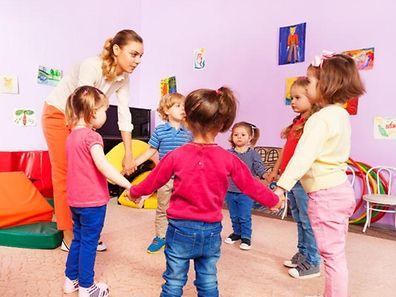 Minister Claude Meisch war zunächst davon ausgegangen, dass mittelfristig 5.600 Grenzgänger-Kinder von den Chèques-Service in den Kindertagesstätten und Maisons relais profitieren könnten.