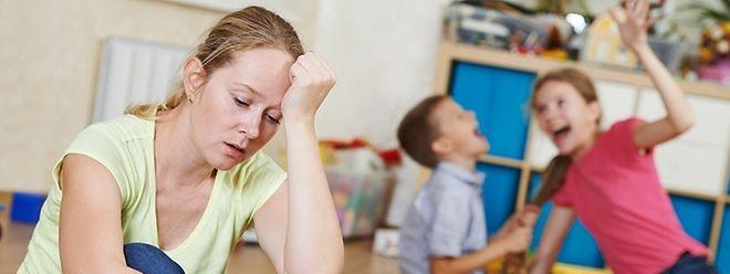 Un enfant atteint de trouble aura du mal à rester en place, fera des fautes d'inattention, prendra beaucoup de temps pour faire ses devoirs, ne pourra s'empêcher de vous interrompre; etc.