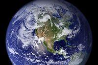 ACHTUNG: SPERRFRIST 14. JANUAR 01:00 UHR. ACHTUNG: DIESER BEITRAG DARF NICHT VOR ABLAUF DER SPERRFRIST - ARCHIV - 16.07.2012, ---: Die NASA-Aufnahme aus dem Jahr 2006 zeigt die westliche Hemispähre der Erdkugel. (zu dpa «Klimawandel: Ozeane inzwischen deutlich wärmer - «Es wird schlimmer»») Foto: NASA Goddard Space Flight Center/NASA/dpa +++ dpa-Bildfunk +++