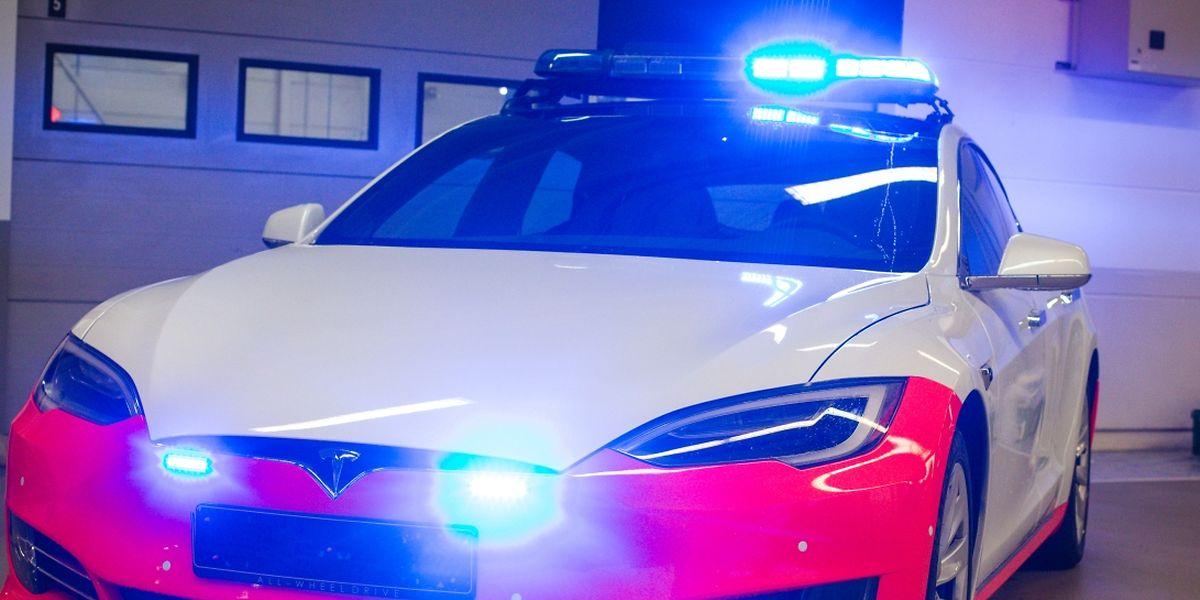 Die Polizei hat bislang lediglich 27.800 Euro für ihre zwei Teslas bezahlt.