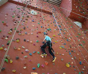 Cours d'escalade pour enfants de 5 à 12 ans à l'auberge de jeunesse d'Echternach