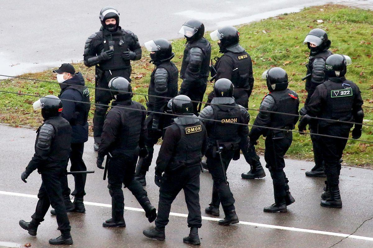 Ein Großaufgebot an Polizei- und Sicherheitskräften stellte sich den Demonstranten gegenüber.