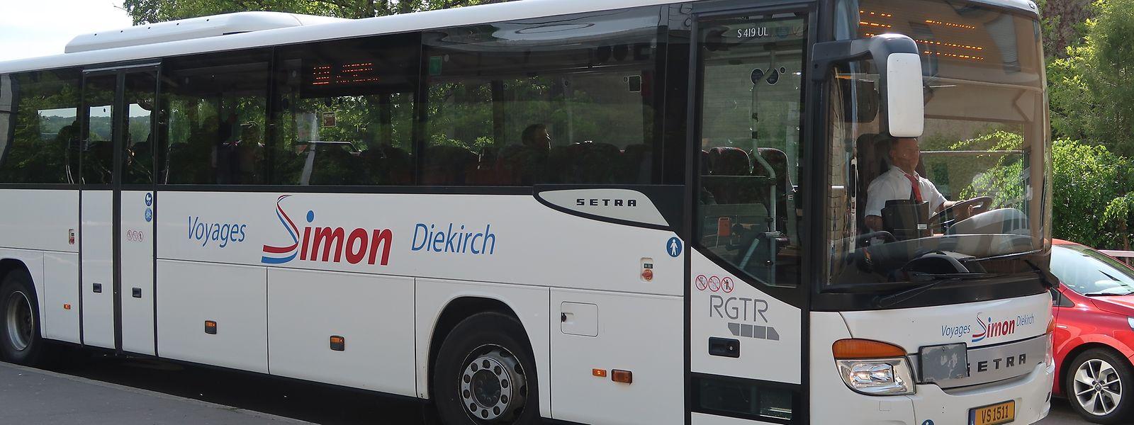 Die bekannten Busse mit dem Simon-Logo sollen auch nach der Übernahme weiter fahren.