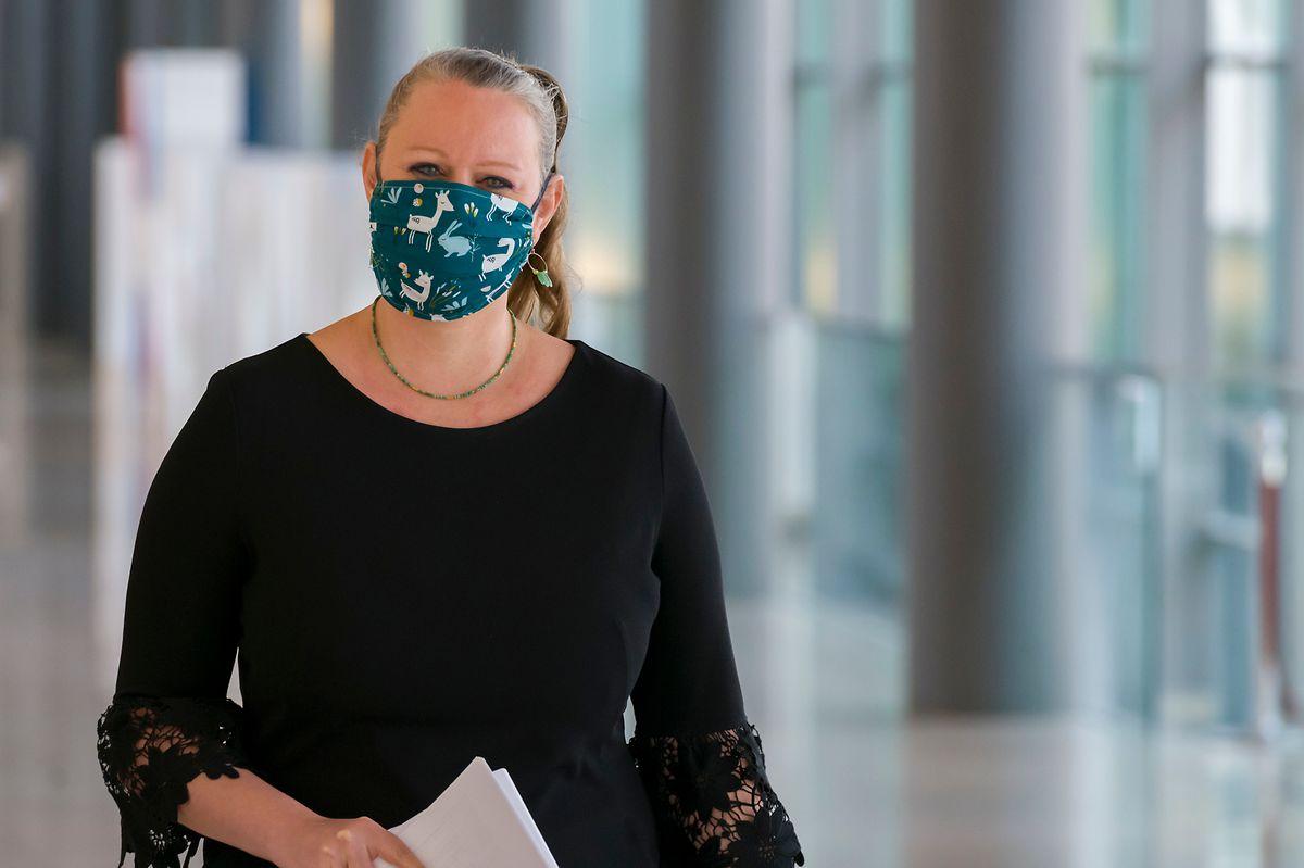 """Carole Dieschbourg, ministra do Ambiente do Grão-Ducado, considerou a atitude belga """"pouco transparente"""" mas assegura que """"para o Luxemburgo não se trata de um incidente diplomático""""."""