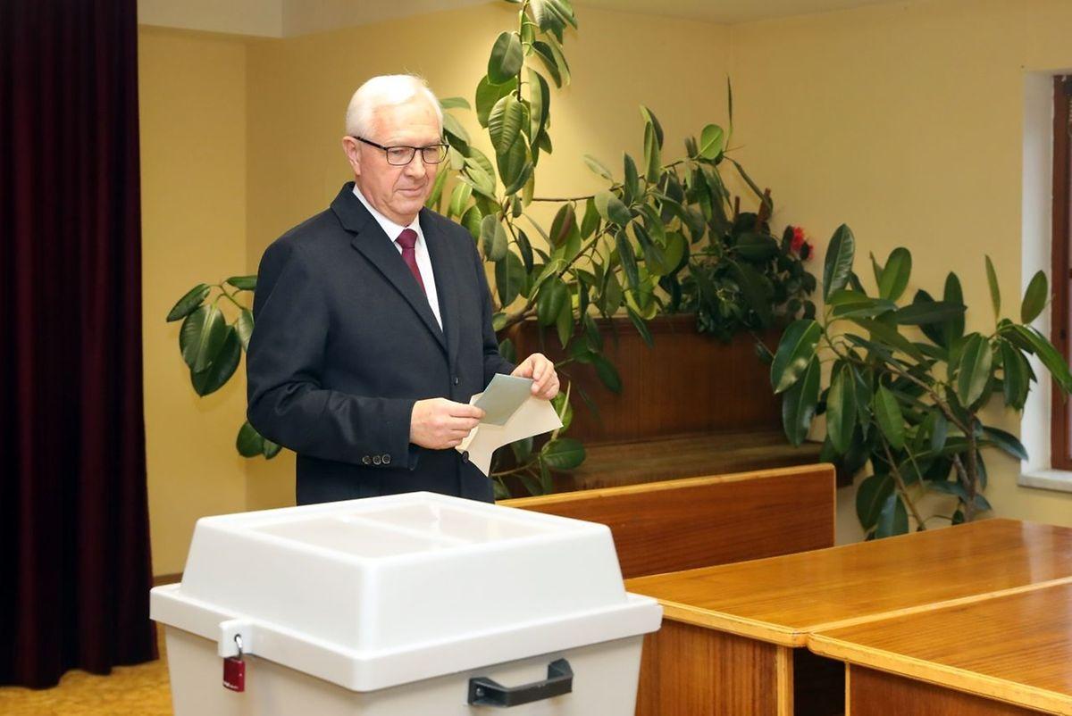 Jiri Drahos, est le principal opposant à l'actuel président tchèque.