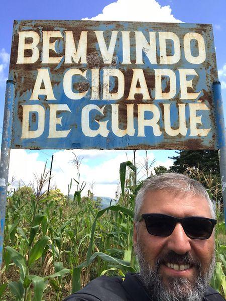 Carlos Nunes esteve em Moçambique, onde conheceu Gurué, a terra onde nasceu e eviveu com os pais até aos quase três anos.