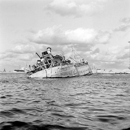 Umkämpfter Kanal: 1956 versenkten Ägypter ein Schiff, um den Kanal zu blockieren.