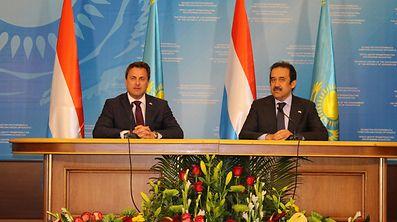 (de g. à dr.) Xavier Bettel, Premier ministre, ministre d'État ; Karim Massimov, ancien Premier ministre de la république du Kazakhstan, en mai 2015