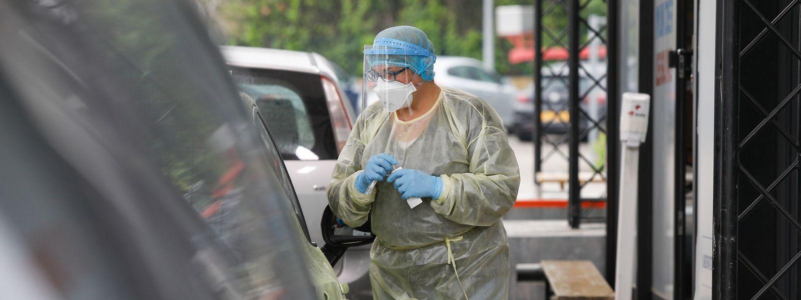 Die PCR-Tests sollen verstärkt mit einer Speichelprobe durchgeführt werden. Die Stäbchenprobe über Hals oder Nase soll weniger angewandt werden.