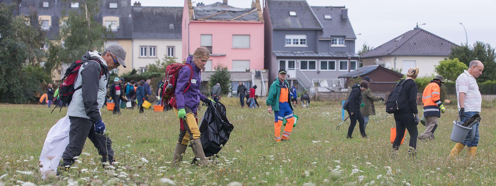 Am 17. August waren 600 aus dem ganzen Land zu einer Aufräumaktion in die betroffenen Gemeinden gekommen.
