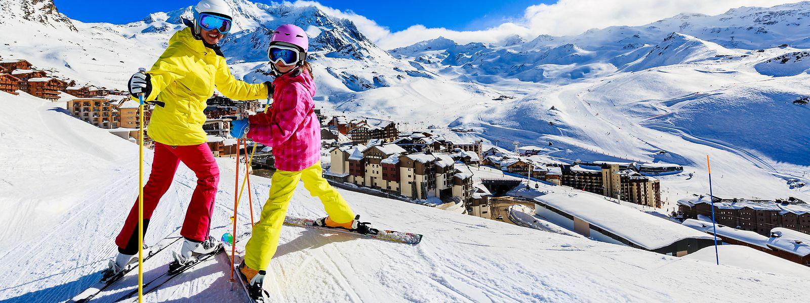 In Val Thorens können auch die Großen zu kleinen Preisen den Schnee genießen: Bei vierköpfigen Familien zahlen auch die Eltern nur den Kinderpreis (ab 168 Euro für sechs Tage).