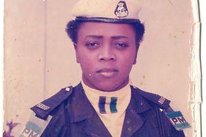 In Uniform gegen Korruption: Bis 2001 gehörte Ekimedo Idedia zu einer Polizeieinheit, die im Rahmen der Demokratisierung in Nigeria gegen korrupte Sicherheitskräfte vorging.