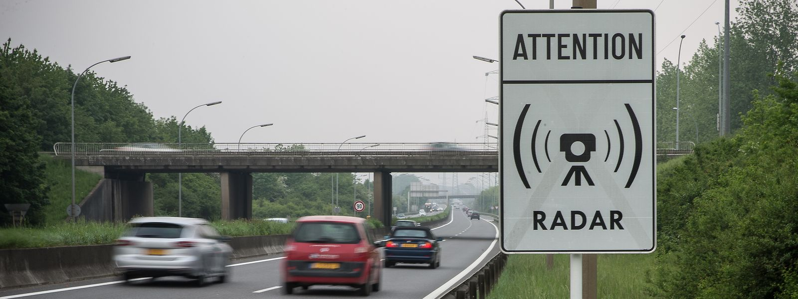 Radargeräte könnten künftig nicht nur auf Autobahnen und Landstraßen, sondern auch in Gemeinden aufgestellt werden. So will es zumindest eine Petition in der Chamber.