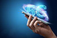 La 5G permettra de gagner en rapidité mais elle pourrait aussi augmenter considérablement l'exposition aux champs électromagnétiques de radiofréquence.