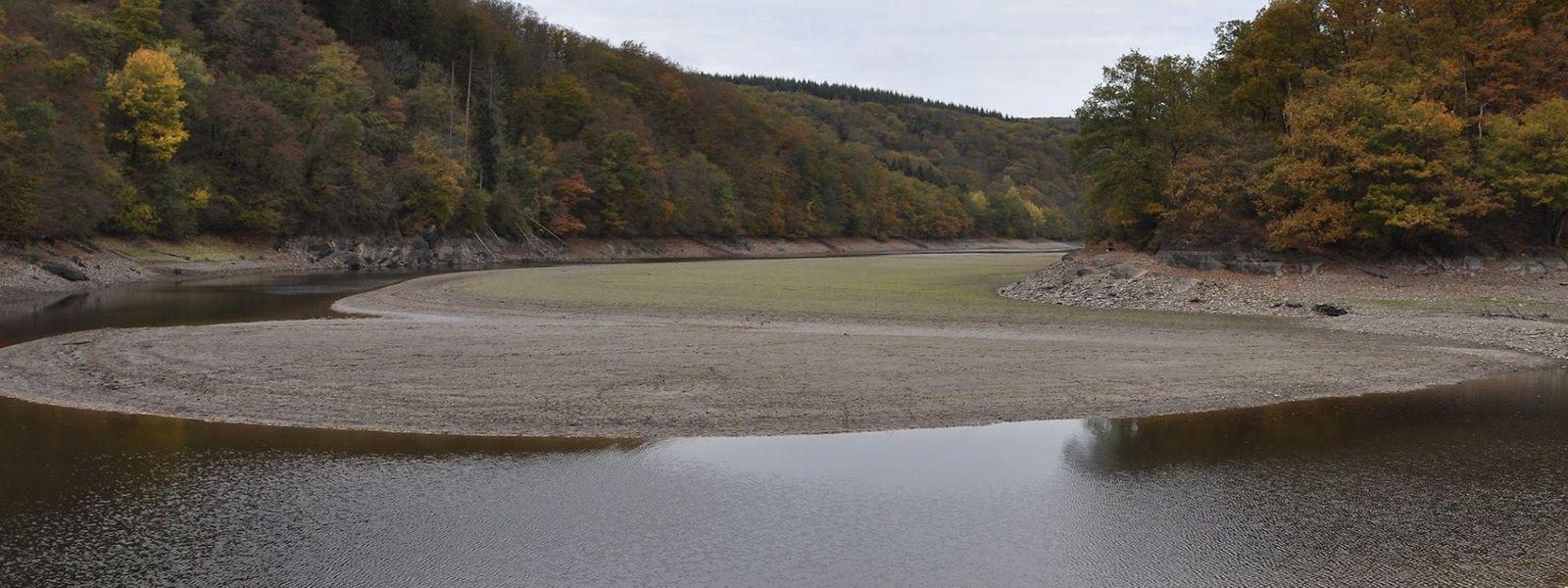In Höhe der Misärsbréck hat sich das Wasser besonders weit zurückgezogen.
