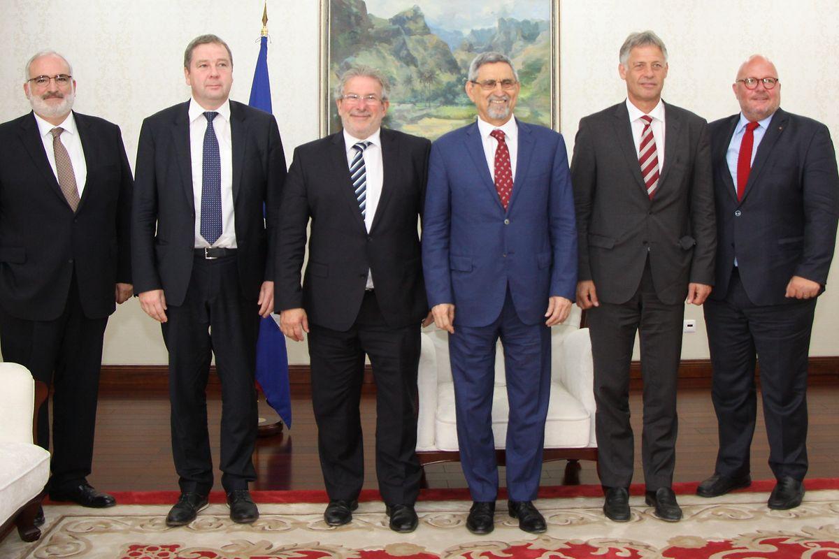 A delegação luxemburguesa com o Presidente de Cabo Verde, Jorge Carlos Fonseca.