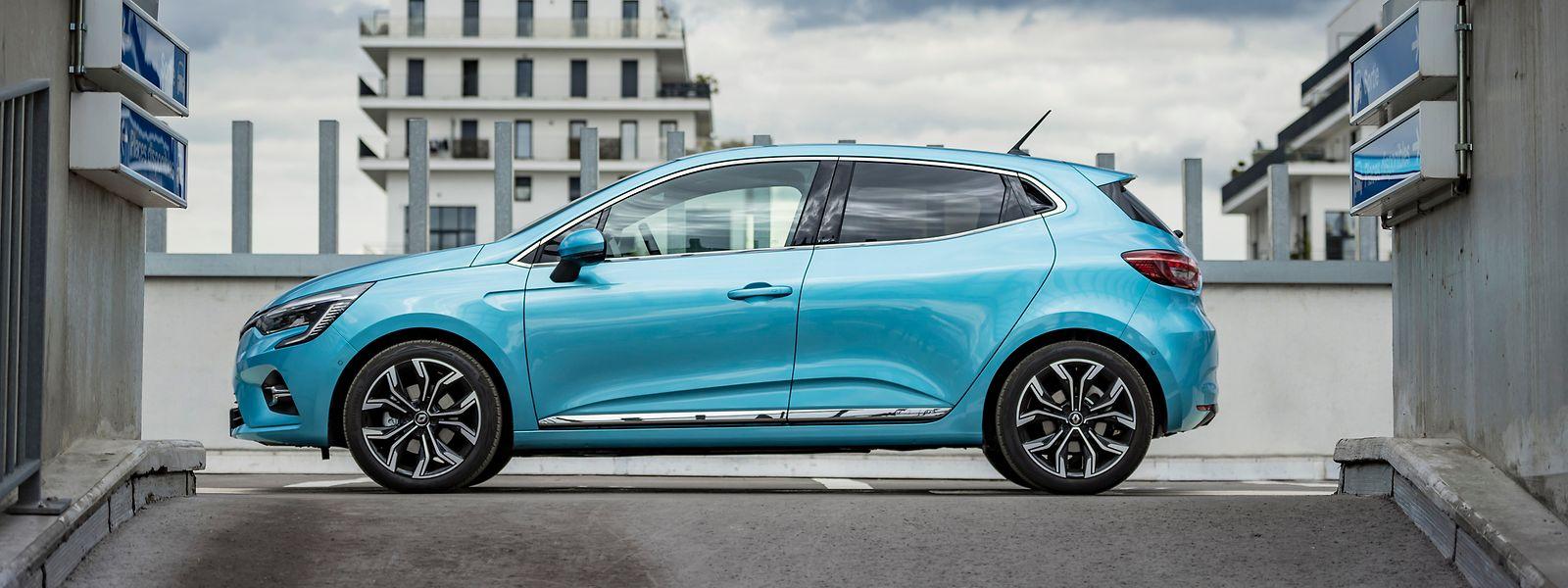 Der Clio E-Tech 140 ist das erste von zwölf Renault-Serienfahrzeugen, das sowohl mit einem Verbrennungsmotor als auch mit einem Hybridantrieb erhältlich ist.