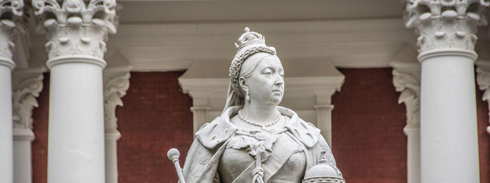 Eine der umstrittenen Statuen von Queen Victoria in Kapstadt.