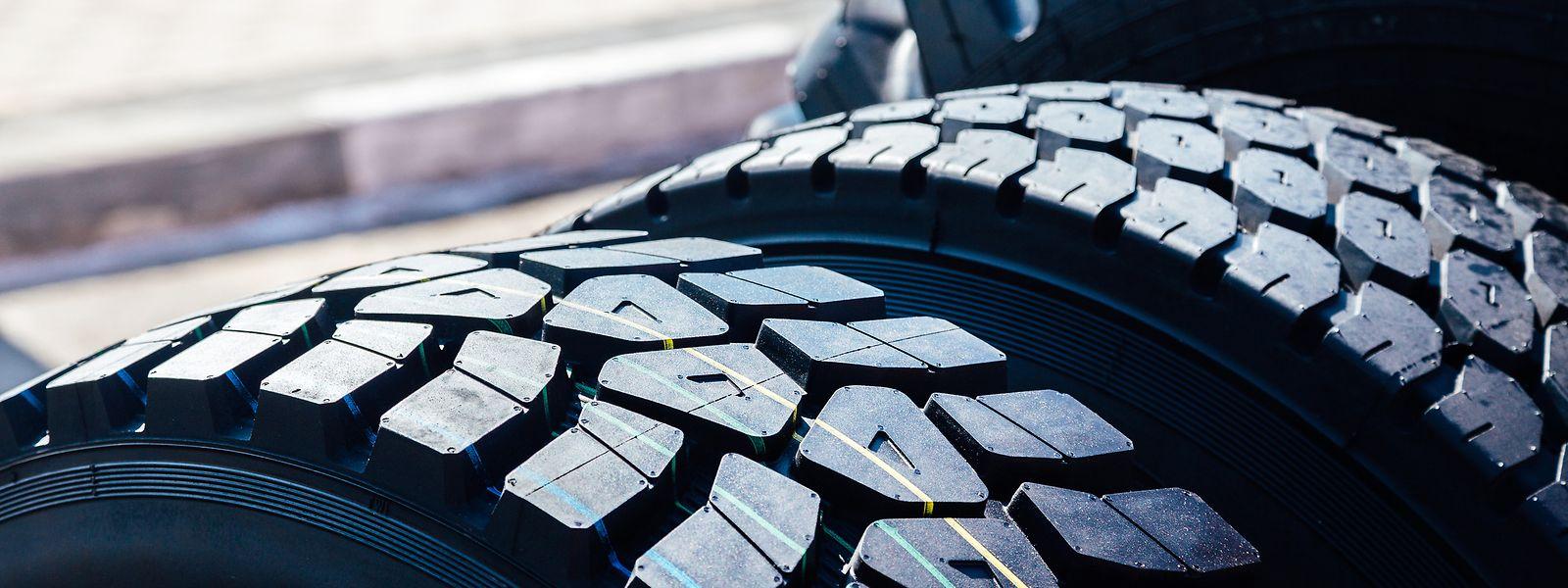 Les producteurs de poids lourds sollicitent le fabricant de pneumatiques.