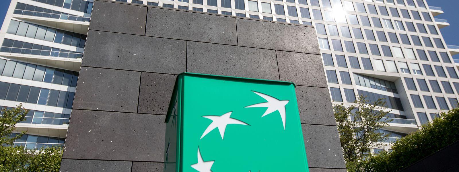 Die Bank hat einen Teil ihrer Mitarbeiter in verschiedenen Betriebsgebäuden aufgeteilt.