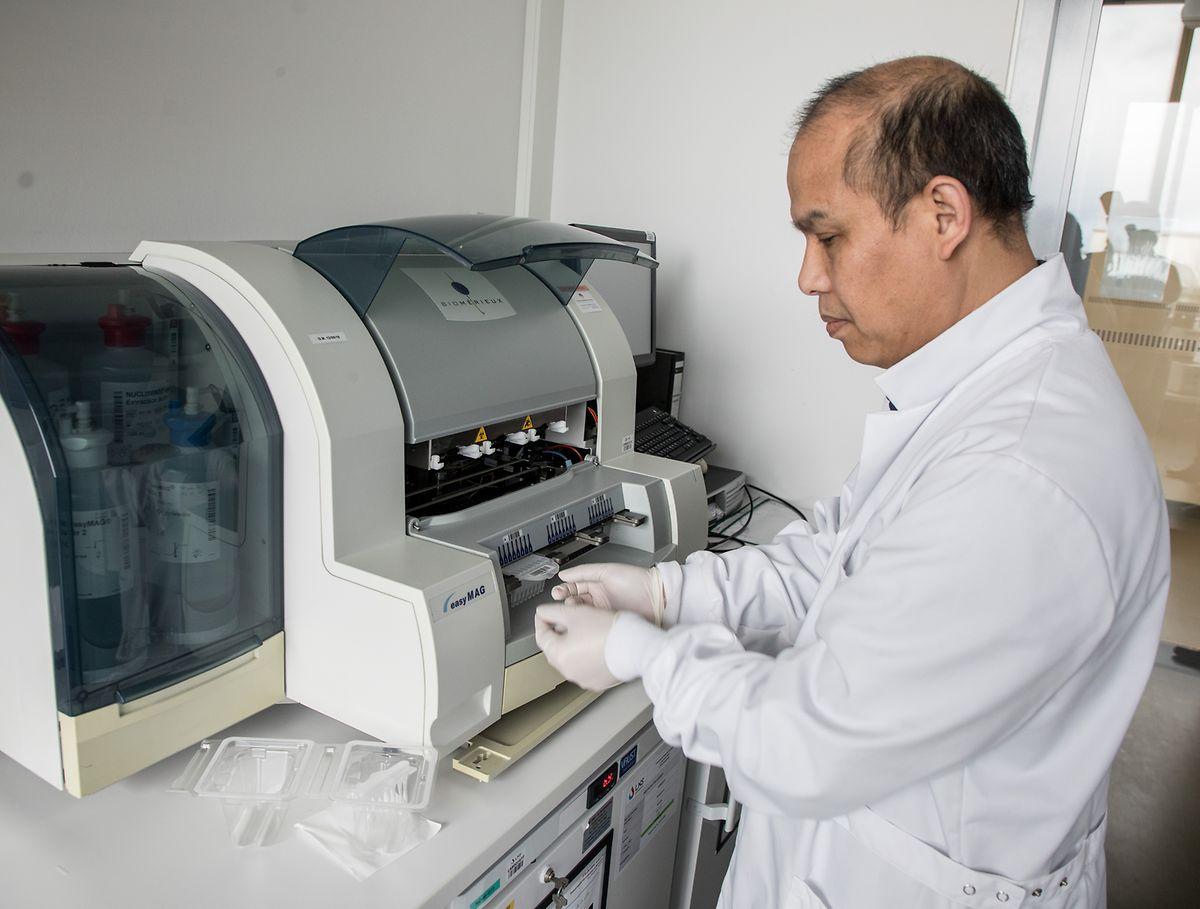Dr.Trung Nguyen Nguyen leitet die Virologie am LNS.
